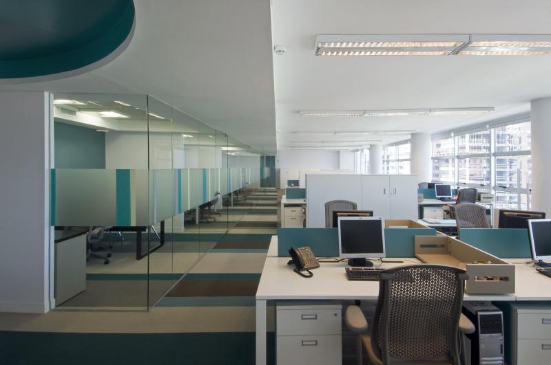 Griscandi iluminaci n para oficinas di fanas for Iluminacion de oficinas